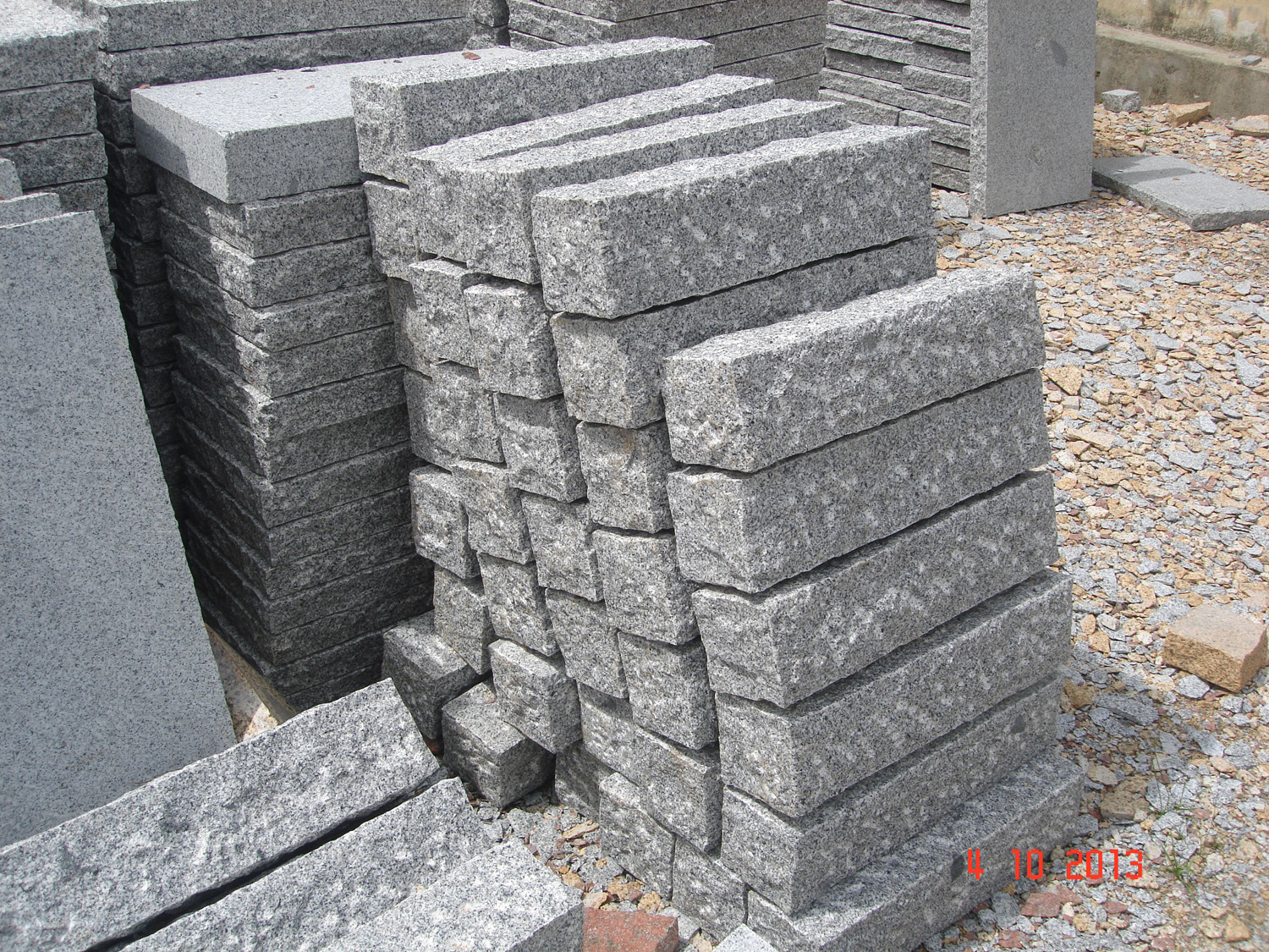 Grey granite palisade 7