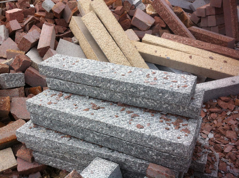 Grey granite palisade_8x20x100_Hand-worked