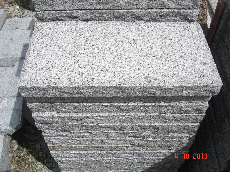 Grey granite slab_30x60x6_Hand-worked