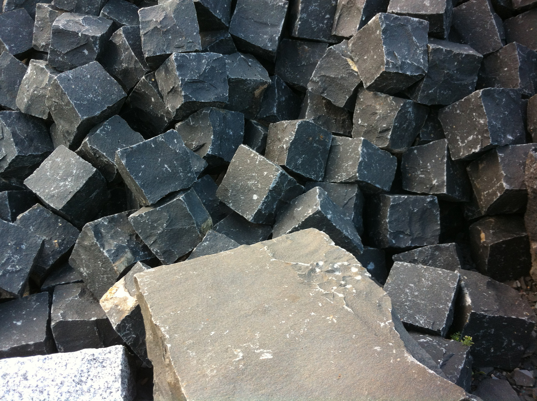 Black basalt cubic_1